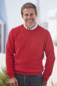 Men's Joseph Cashmere Crew Neck Jumper with Cable Knit in red