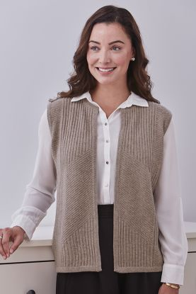 Nora 4 Ply Ribbed Cashmere Gilet in Brown