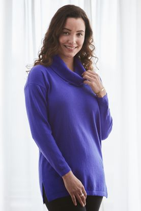 Women's Jessica 2ply cashmere cowl neck sweater in pink