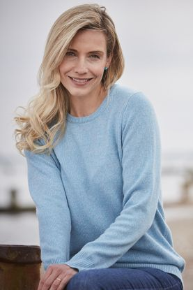 Leslie 4 Ply Two Colour Cashmere Crew Neck in Blue