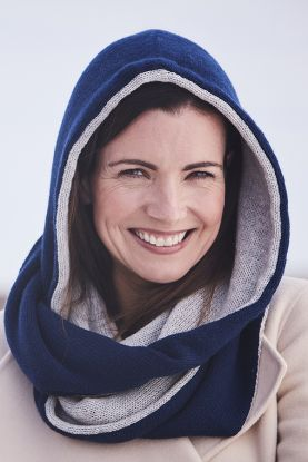 Women's Cashmere hooded scarf in blue and grey