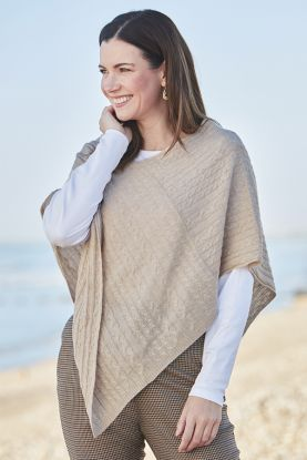 Women's Cashmere Cable Poncho in Beige