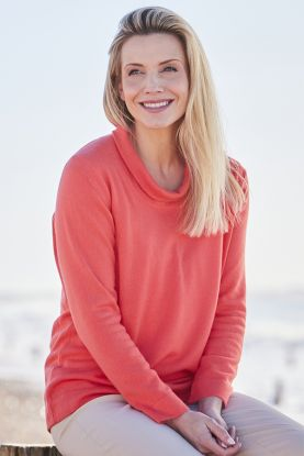 Women's cashmere open roll neck sweater in coral