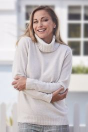 Zoe 4 ply cashmere women's chunky white sweater in our cream colourway