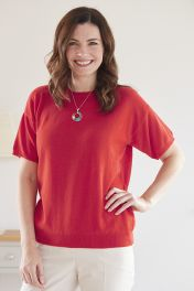 Women's Annie 2 ply cashmere short sleeve sweater in Red