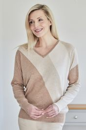 Women's Cashmere V-Neck Sweater in beige