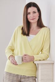 Women's Cashmere V-Neck Sweater in Yellow